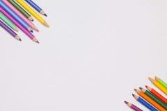 Farbige Farbe auf dem Tisch Lizenzfreie Stockbilder