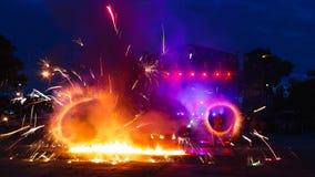 Farbige Feuershow Stockfoto