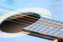 Farbige Gitarren-Schnüre Lizenzfreies Stockbild