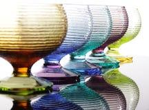 Farbige Gläser mit Reflexion Lizenzfreies Stockbild