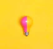 Farbige Glühlampe Stockfoto