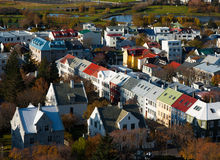 Farbige Häuser in Island Stockfoto