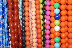 Farbige Halskette Stockfotografie