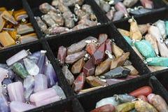 Farbige heilende Kristalle Stockfoto