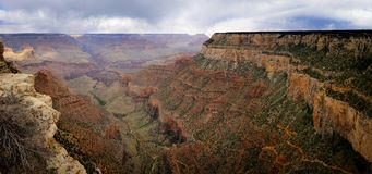 Farbige Klippe von Grand Canyon Lizenzfreie Stockfotografie