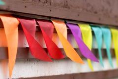 Farbige Markierungsfahnen Stockbilder