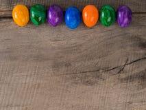 Farbige Ostereier mit Kopientext Stockfotografie