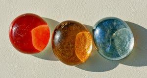 Farbige ovale Cabochons für Handwerk Stockfotos