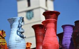 Farbige rumänische Tonwaren Stockfotos