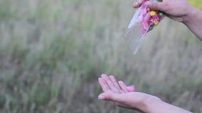 Farbige süße Süßigkeit handgemacht stock video