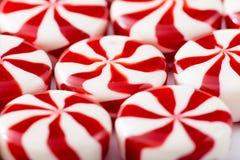 Farbige Süßigkeit auf weißem Hintergrund Weiche Farben Lizenzfreie Stockfotografie