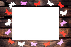Farbige Schmetterlinge aus Papier heraus Lizenzfreie Stockfotos