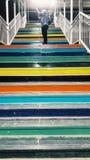 Farbige Schritte stockbilder