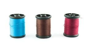 Farbige Spulen von Seidenfäden auf Spulen Lizenzfreies Stockfoto