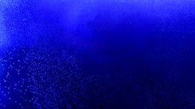 Farbige Tintenwolke wächst im Wasser stock footage