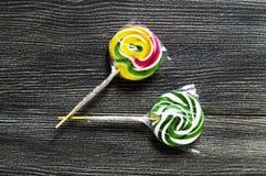 Farbige und kopierte Süßigkeiten, bunte Süßigkeiten des Spaßes für Kinder lieben schriftlichen Zucker, färbten und kopierten Süßi Lizenzfreie Stockbilder