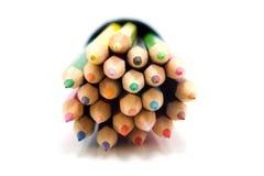 Farbige Vorderansicht der Bleistifte in der Nahaufnahme Stockbilder