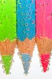 Farbige Zeichenstifte mit Luftblasen Lizenzfreies Stockbild