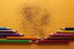 Farbige Zeichenstiftgekritzel Stockfotografie