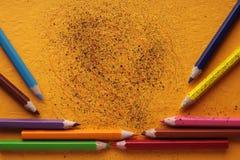 Farbige Zeichenstiftgekritzel Stockbild