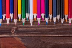 Farbiger Bleistift auf Holz Stockbild