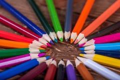 Farbiger Bleistift auf Holz Lizenzfreie Stockfotografie