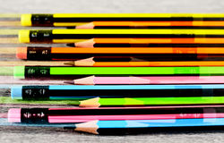 Farbiger Bleistifthintergrund Stockfoto