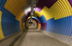 Farbiger Durchgangstunnel, bunter Tunnel 1 Stockbild