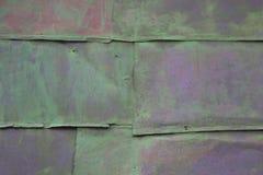 Farbiger Hintergrund alte rostige grüne Metalloberfläche Beschaffenheit von Sprüngen Stockfoto