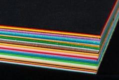 Farbiger Papstapel lizenzfreie stockfotografie