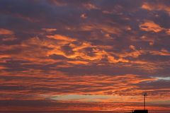 Farbiger Sonnenaufgang Stockfotos