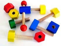 Farbiges hölzernes Spielzeug lizenzfreie stockfotografie
