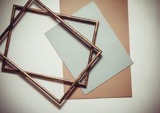 Farbiges Papier und Rahmen Stockfoto