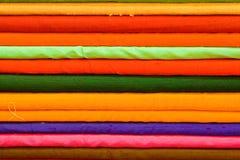 Farbiges Tuch Stockbilder