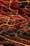 Farbneonstreifen von hellen Glühenlinien Stockfotos