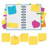 Farboffenes Notizbuch auf Ringen mit leeren Blättern Ein Satz klebrige quadratische Aufkleber und Anmerkungen Einfaches flaches V Lizenzfreie Abbildung