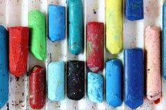 Farbpastelle im Kasten Lizenzfreie Stockfotos