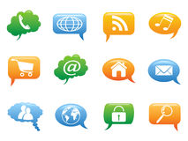 Farbspracheblase mit Internet-Ikonen Stockbilder