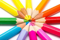 Farbton-Bleistifte vereinbart im Kreis Stockfotos