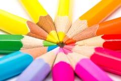 Farbton-Bleistifte vereinbart im Kreis Lizenzfreie Stockfotografie