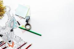 Farbtonbild für Erwachsene auf weißem Draufsichtmodell des Hintergrundes Lizenzfreie Stockbilder