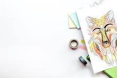 Farbtonbild für Erwachsene auf weißem Draufsichtmodell des Hintergrundes Stockfotografie