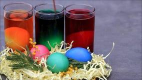 Farbtoneier für Ostern stock video footage