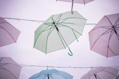 Farbvoller Regenschirm Stockfoto