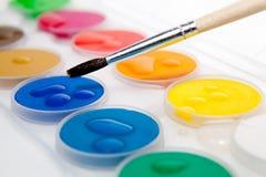 Farby pudełko na białym tle Obrazy Stock