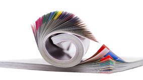 Farbzeitschrift auf dem Weiß Stockfotos