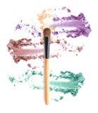 Fard à joues et isolat coloré de fards à paupières Photographie stock libre de droits