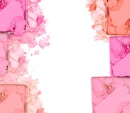 Fard à paupières écrasé par rose sur le fond blanc Photos stock