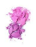 Fard à paupières brisé pourpre rond pour le maquillage comme échantillon de produit cosmétique Image libre de droits