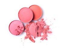 Fard à paupières brisé rose rond pour le maquillage comme échantillon de produit cosmétique Photos stock